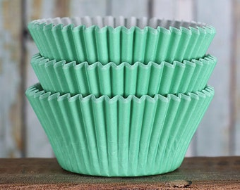 Mint Green Cupcake Liners, BakeBright Cupcake Liners, Light Green Baking Cups, Cupcake Cases, Cupcake Wrappers, Green Cupcake Liners (60)