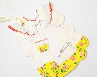 Retro Yellow Apron - Gift Tags - Set of 3 - Mother's Day Tags - Vintage Apron Tag - Mom's Apron - Retro Kitchen Tags - Yellow Ruffled Apron