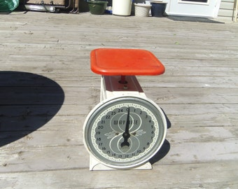 "Kitchen Scale, Way Rite 25 lb by Hanson Scale Co. USA 9.25"" tall"