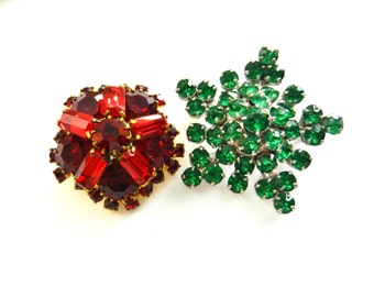 1940 Two fiery beauties antique domed Brooches in lively green Rhinestones by Barclay & in pompous red - art.535/4 -