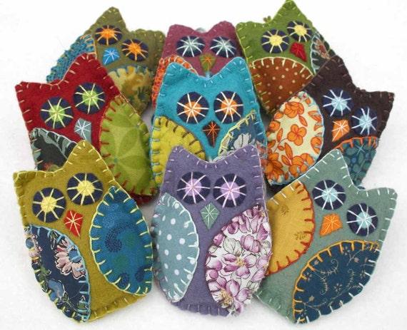 Felt Owl ornaments, Handmade felt owls, Retro owl ornaments, patchwork owl ornaments, Owl Christmas ornaments, Autumn, Fall owl decorations.
