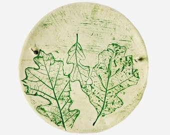 Round Oak Leaf Wall Hanging - Green and White Stoneware Plaque - Earthy Nature Home Decor