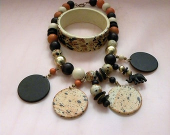 "Fashion Earth Tone 8"" Necklace and Matching Bracelet"