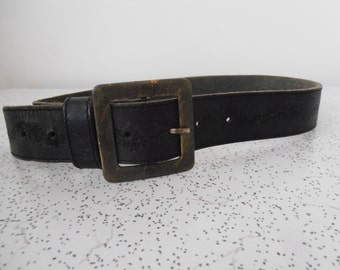 vintage tooled leather belt wiith square brass buckle