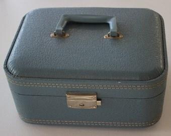 Cornflower Blue Vintage Train Case