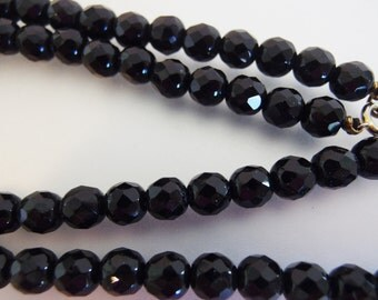 Beautiful Vintage Black Faceted Glass Bead Necklace