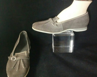 1950s Grey Suede Round Toe Flats