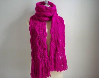 Knitting Pinky scarf