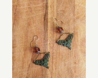 ON SALE Jewelry. Victorian Inspired Glass and Metal Hanging Earrings