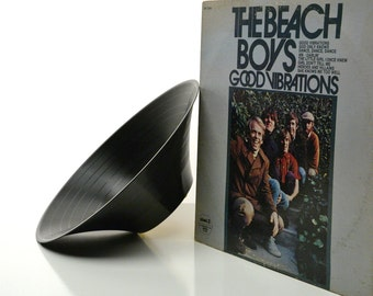 The Beach Boys Good Vibrations GrooveBowl