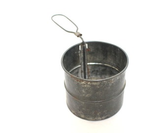 Mid Century Hand Sifter 2 Cup