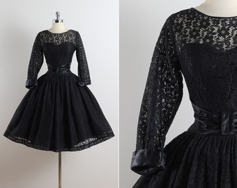 Cover of Night . vintage 1950s dress . vintage party dress . 5623
