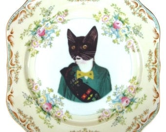 Kitty Scout Portrait - Altered Vintage Plate 8""