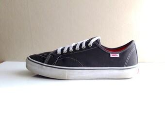 Vintage VANS AV Classic Skate Sneakers Size 12 Mens Black Canvas & Leather Trim VN-0XB4BWN - Skateboarding Trainers