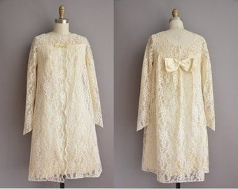 50s ivory baby doll lace vintage wedding dress / vintage 1960s wedding dress