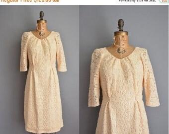 25% off SHOP SALE... vintage 1950s dress / cream textured floral dress / 50s dress
