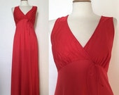 ON SALE Vintage 70s / Red / V Neck / Empire Waist / Maxi / Nightgown / Small