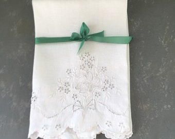 Vintage Guest Towel Embroidered ,flower, floral, fingertip towel, white on whit
