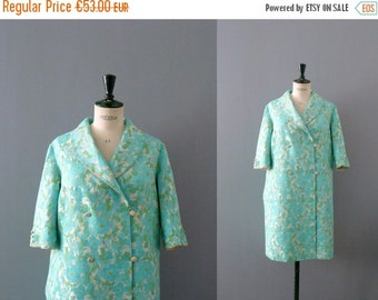 40% OFF SALE // Vintage robe. 1960s green brocade robe. house coat