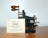 Singer Sewing 1930's Hand Operated Pinking Machine # 121379 with complete Instructions Book ~ Very good Condition