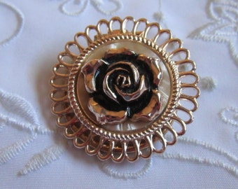 Vintage Gold Tone Round Scarf Clip with Pearlized Background and Rose