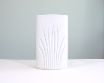 Rosenthal Op-Art Fern Leaf Riedel Studio-Linie West German White Vase
