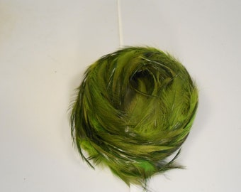 Trotting Through the Forest - Vintage 1950s Tonal Forest Moss Green Feathered Bandeau Half Hat