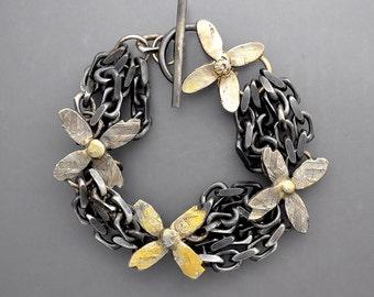 Golden Flower Power Chain Chain Bracelet