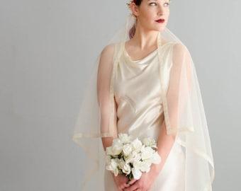 35% OFF - Vintage 1940s Wedding Veil - 40s Bridal Veil - Matrimony Lace Veil