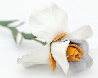 Leather flower white iris Valentine's Day gift Mother's Day gift Wedding Third Anniversary Gift Long Stem Flower 3rd Leather Anniversary