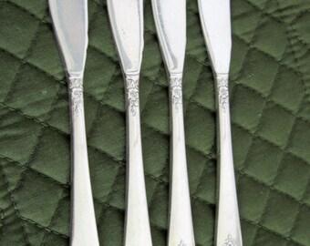 4 Oneida Prestige Silverplate Distinction Pattern Butter Spreaders Circa 1950's