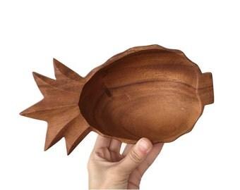 Vintage wooden leaf platter, vintage teak wood leaf platter