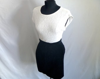 """Vintage 90's Black Suede Mini-Skirt with """"High-Waisted"""" Fit by Winlit™ Size 9/10"""