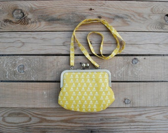 small yellow purse. kids gift. clasp purse. snap purse. coin purse.