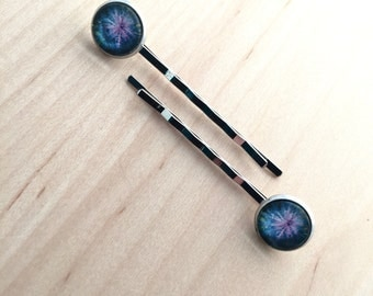 hairpins with purple flower photo, pair of bobbypins silver color with 12mm glass cabochon