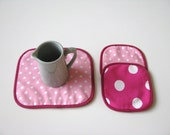custom order for Melanie mug rug and 4x coasters set with feather print fabric and black accents