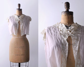 30's light pink top. small. 1930's lace bed jacket. cotton. bows. ruffles.
