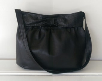 Leather Handbag: Black Leather and Bow