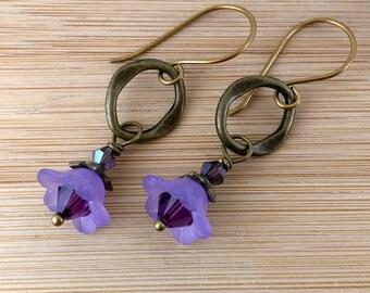Purple Flower Earrings. Antique Brass Oval. Victorian Earrings. Lavender Lucite Flower Jewelry.