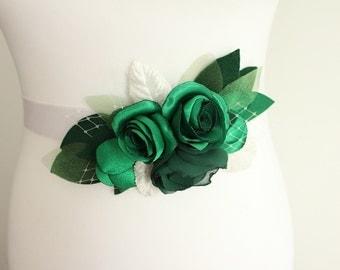 Woodland style bridal flower sash,emerald wedding belt, rustic corsage