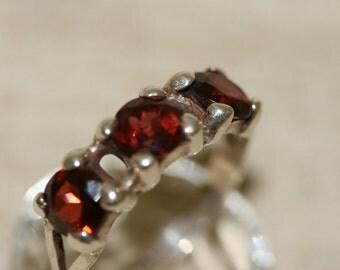 Garnet Silver Ring, Handmade Garnet Silver Ring, Sterling Silver Ring, Tripel Garnet, Multistone Ring, Red Stone Ring, Birthstone Ring,