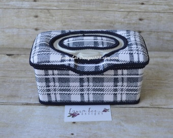 READY TO SHIP, Navy and White Plaid Flip Top Nursery Baby Wipe Case, Baby Shower Gift, Large Wipe Tub, Diaper Wipes, Wipecase, Wipe Holder