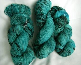 Superwash Wool and Nylon Fingering - Super Tough Sock Yarn - Achilles Sock - Seeing Cyan