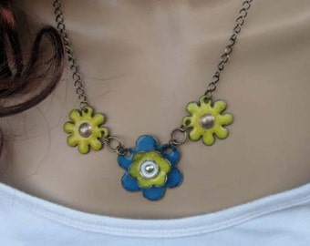hand enameled country glue and soft yellow daisies