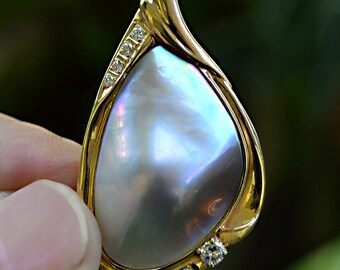 Lovely Vintage PEAR Shaped Mabe Pearl & (8) DIAMONDS 14K Gold Pendant Enhancer