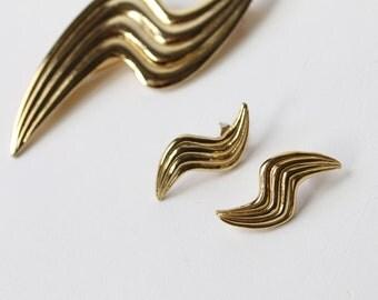 VINTAGE 1980s Earrings Brooch Set Gold Pierced