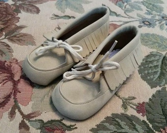 Vintage Pale Suede Leather Moccassins Baby Shoes Fall Autumn Moccasin Fringe Corduroy Sole