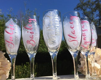 Set of 6, Personalized bridesmaid champagne glasses, personalized champagne flutes, personalized toasting glasses