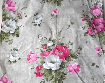 Pretty Vintage Antique French Fabric 1940s Country Roses chantal Cotton