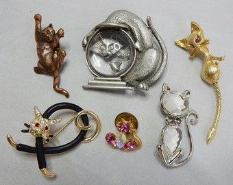 6 Vintage Fun Figural Kitty Cat Brooches & Pins    NCY22